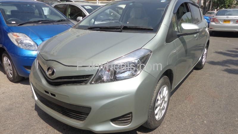 Toyota Vitz 2011 Image-2