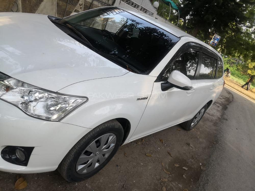 Toyota Corolla Fielder X 2013 Image-1