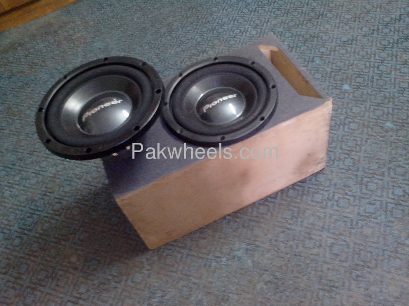 PAIR OF PIONEER TS-W305C FAVOURATE  WOOFER MADE IN MAXICO Image-1