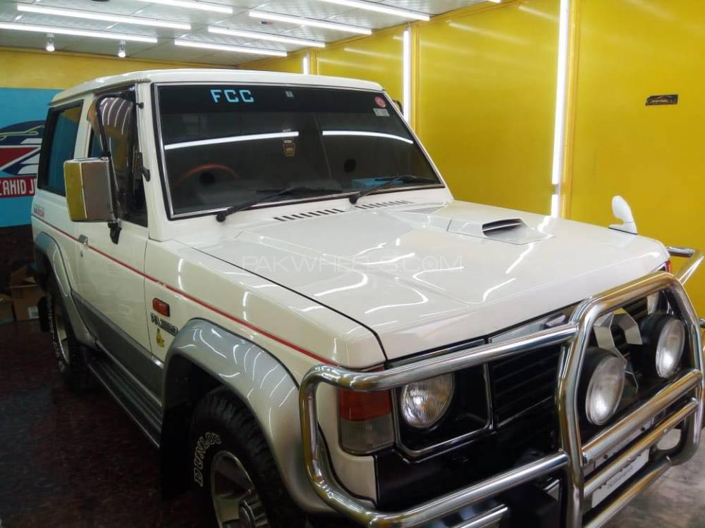 Mitsubishi Pajero Exceed 2.5D 1988 Image-1
