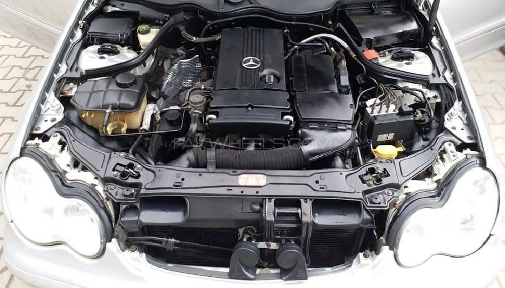 Mercedes Benz C Class C180 2004 Image-1