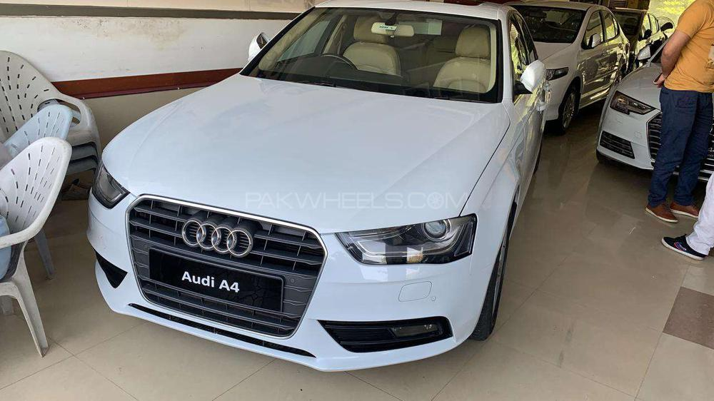 Audi A4 S-Line Competition 2014 Image-1