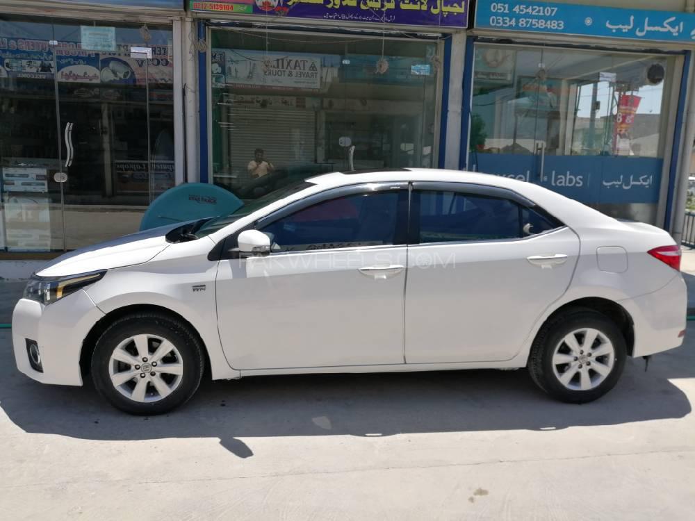 Toyota Corolla Altis CVT-i 1.8 2016 Image-1