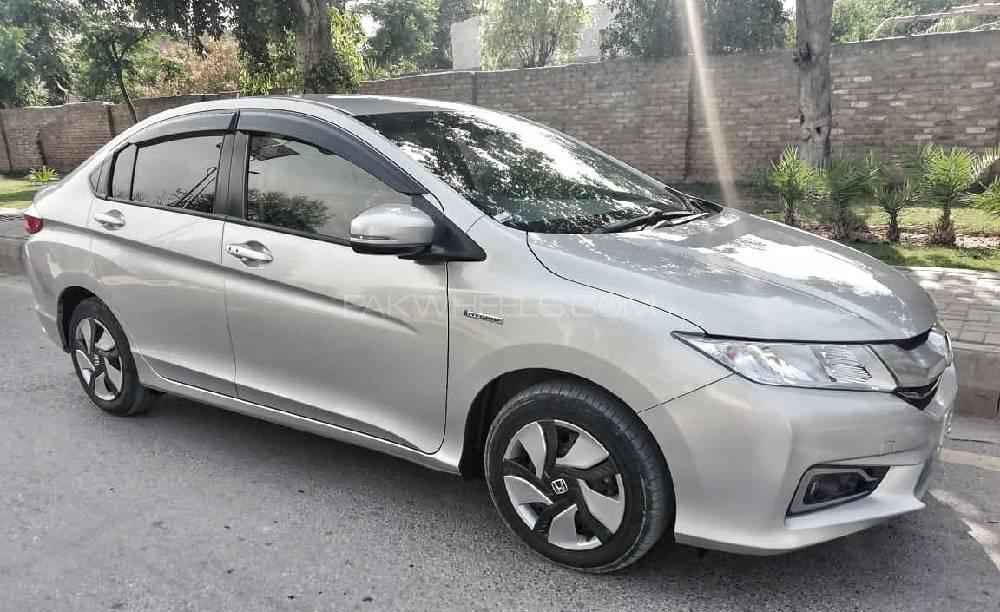 Honda Grace Hybrid 2017 Image-1