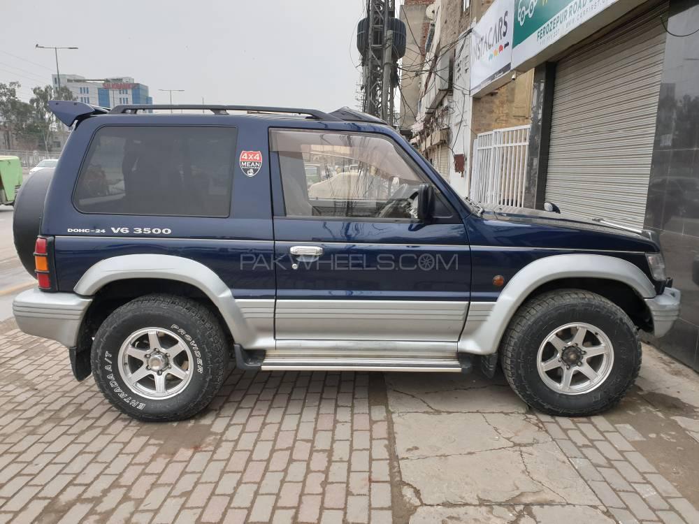 Mitsubishi Pajero Evolution 1992 Image-1