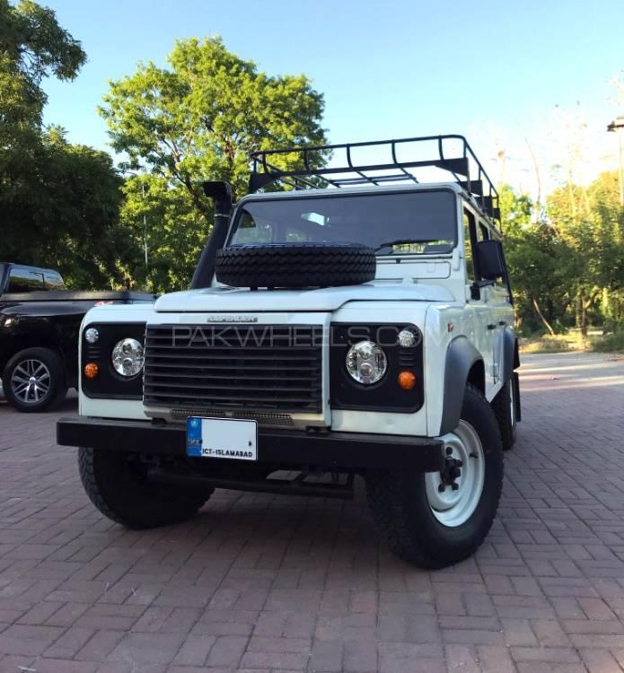 Land Rover Defender 110 For Sale: Land Rover Defender 110 SW 2005 For Sale In Islamabad