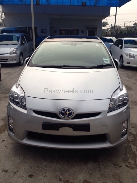 Toyota Prius G LED Edition 1.8 2010 Image-2
