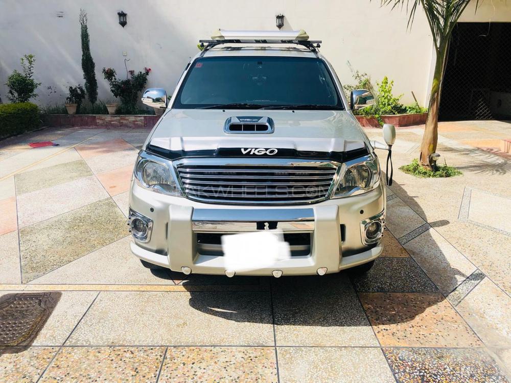 Toyota Hilux D-4D Automatic 2009 Image-1