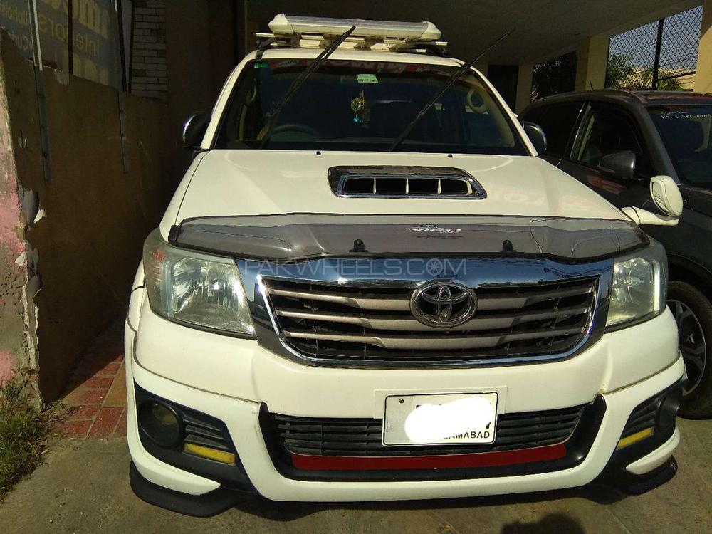 Toyota Hilux Vigo Champ TRD Sportivo  2012 Image-1