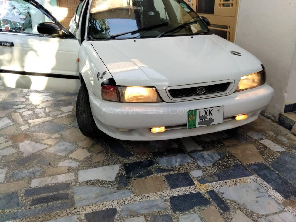 Suzuki Baleno GLi P 1998 Image-1