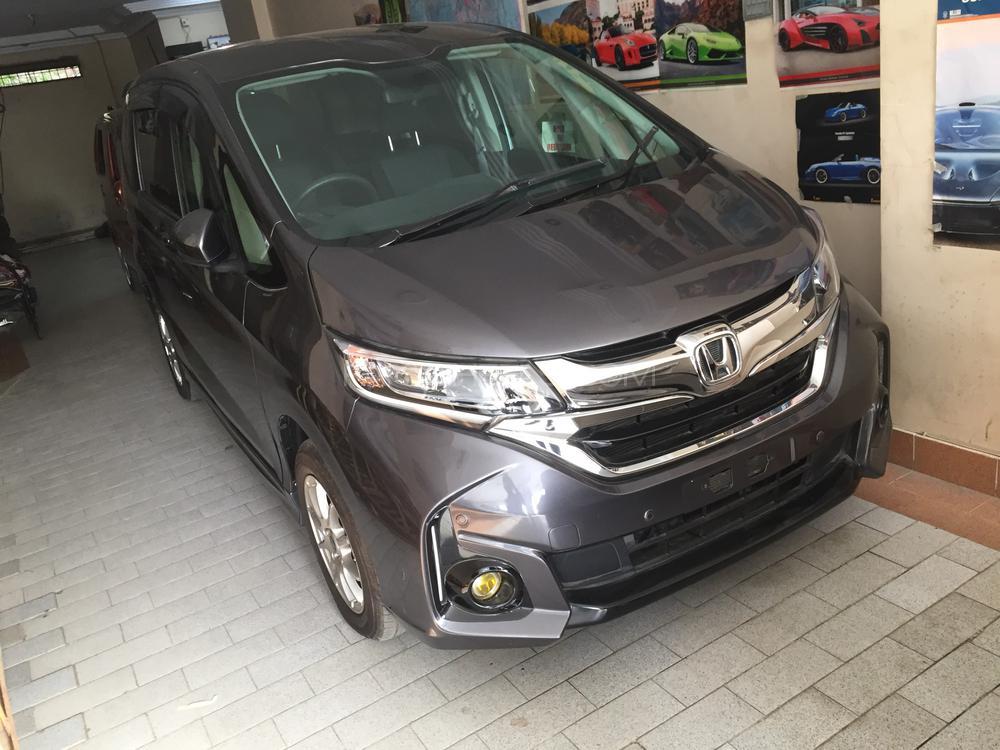 Honda Freed Hybrid EX 2017 Image-1