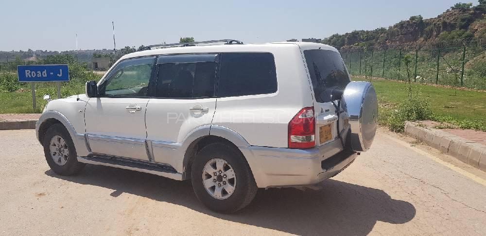 Mitsubishi Pajero 2006 Image-1