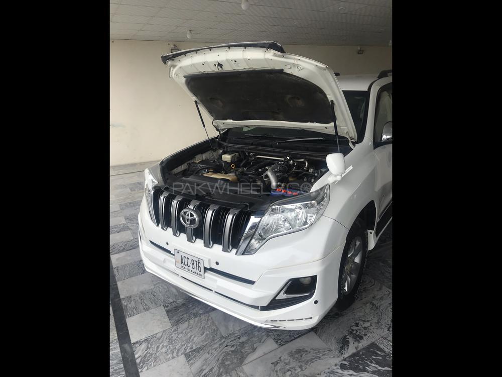 Toyota Prado VX 3.0 2012 Image-1