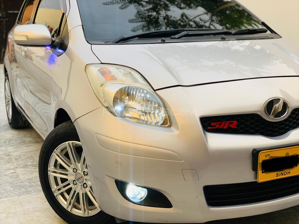 Toyota Vitz F Limited 1.0 2010 Image-1