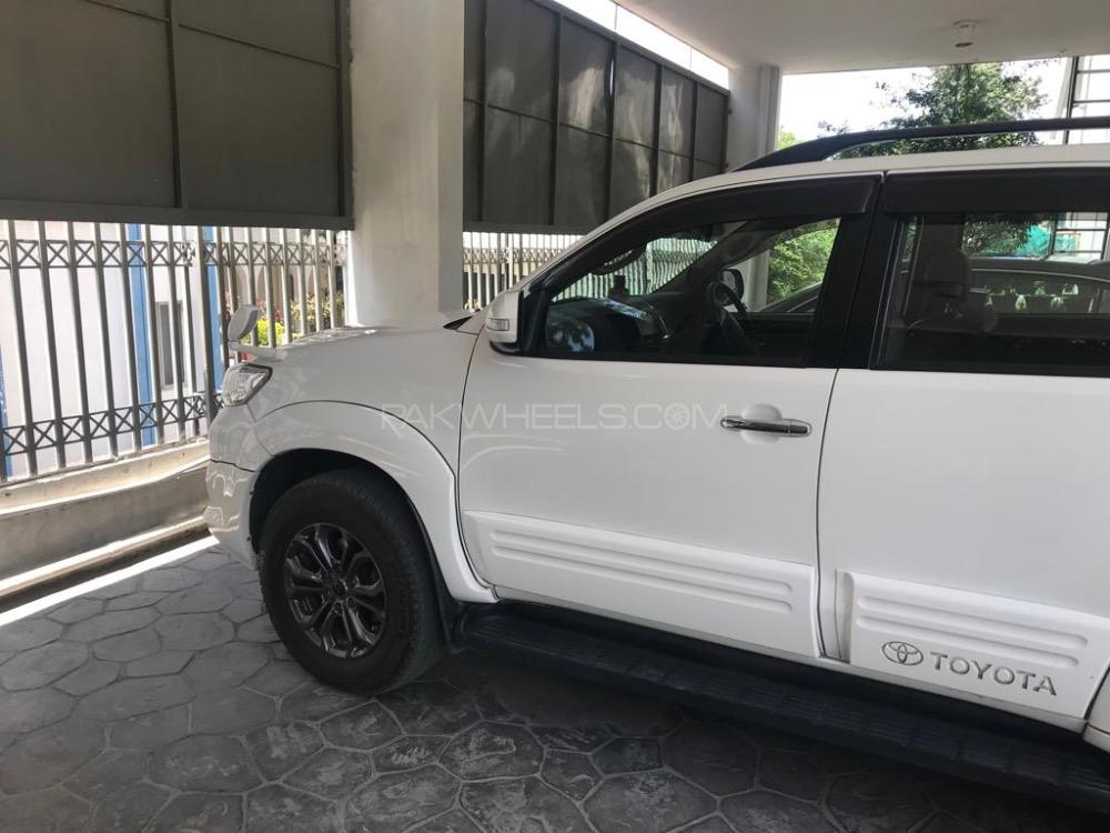 Toyota Fortuner 2015 for sale in Lahore   PakWheels