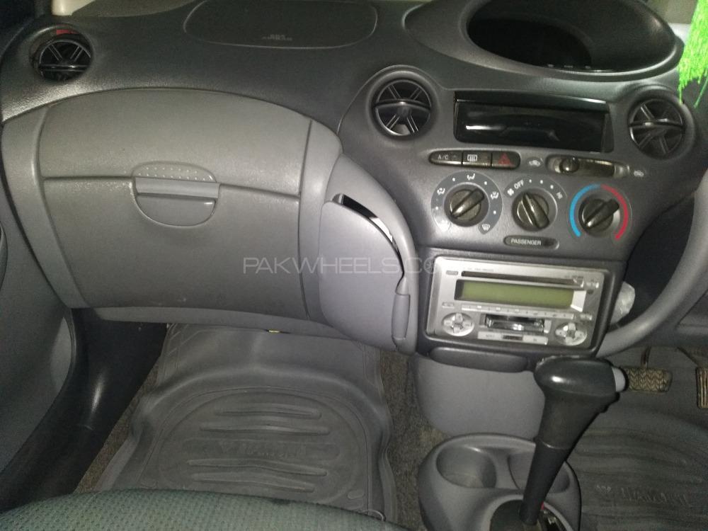 Toyota Vitz 1999 Image-1