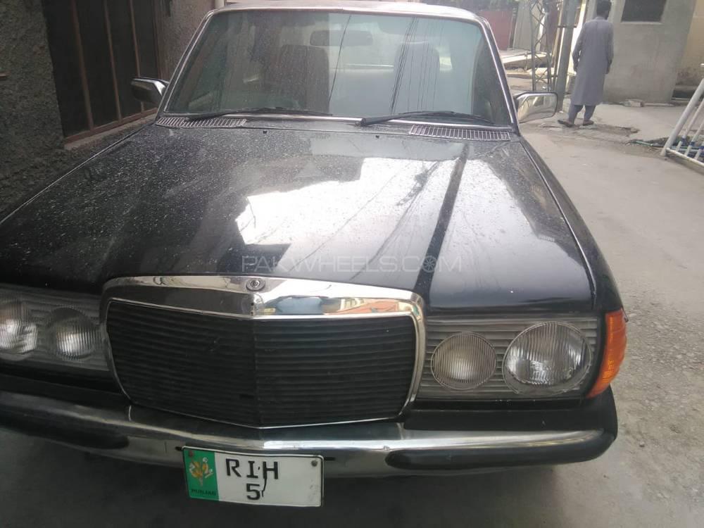 Mercedes Benz Se 220 1977 Image-1