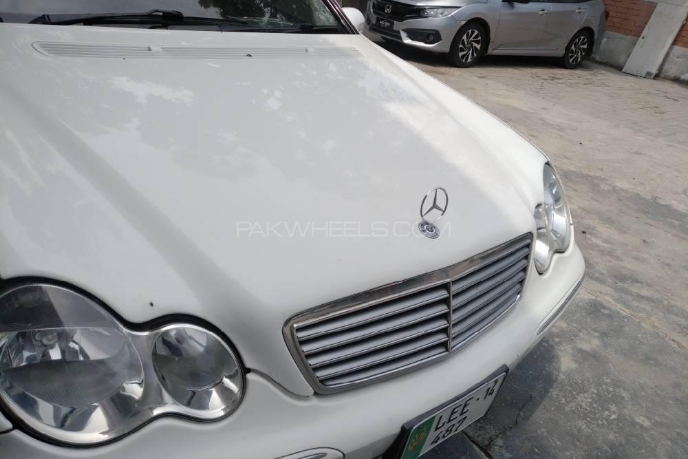 Mercedes Benz C Class 2003 Image-1