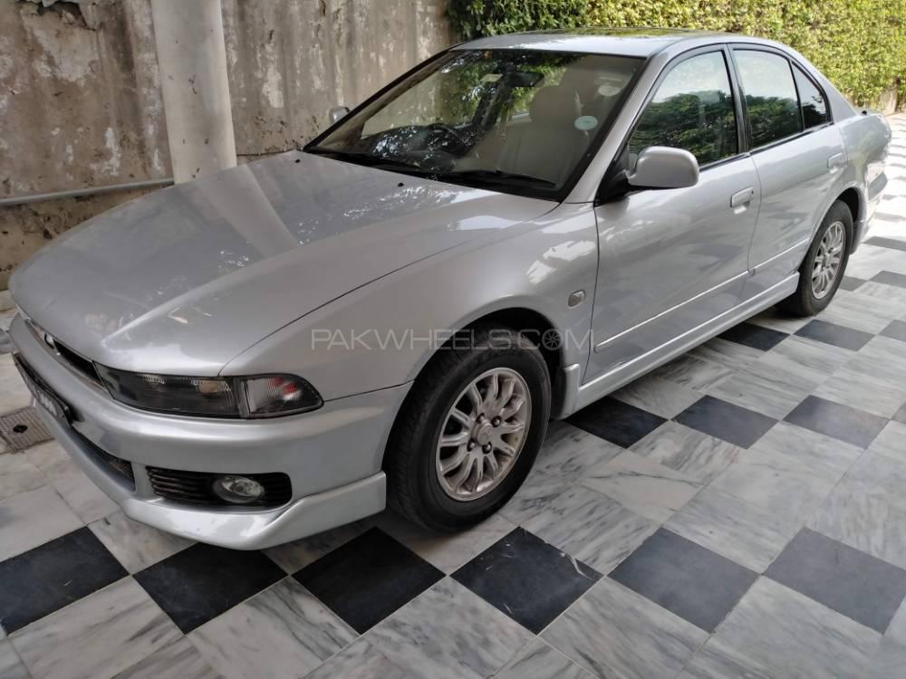 Mitsubishi Galant 2004 Image-1