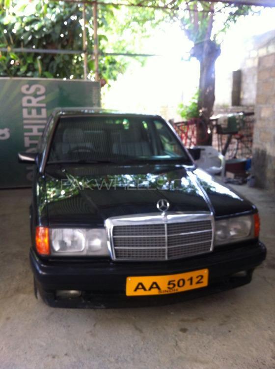 Mercedes Benz E Class E190 1992 Image-1