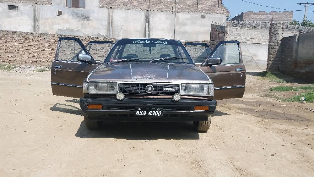 Nissan 120 Y 1989 Image-1