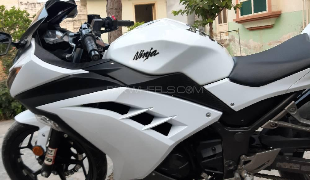 Used Kawasaki Ninja ZX300 2012 Bike for sale in Mardan - 252693 | PakWheels