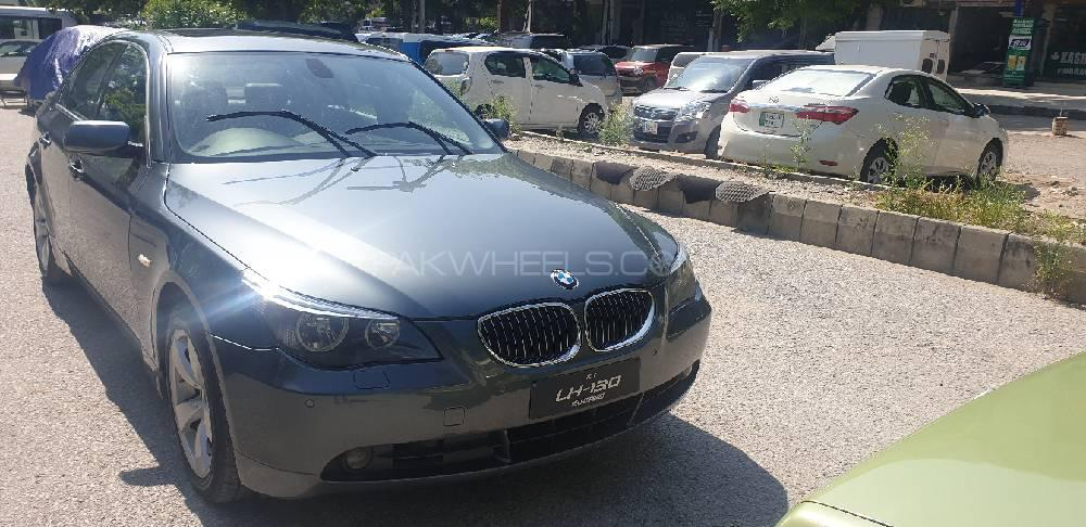 BMW 5 Series 545i 2003 Image-1