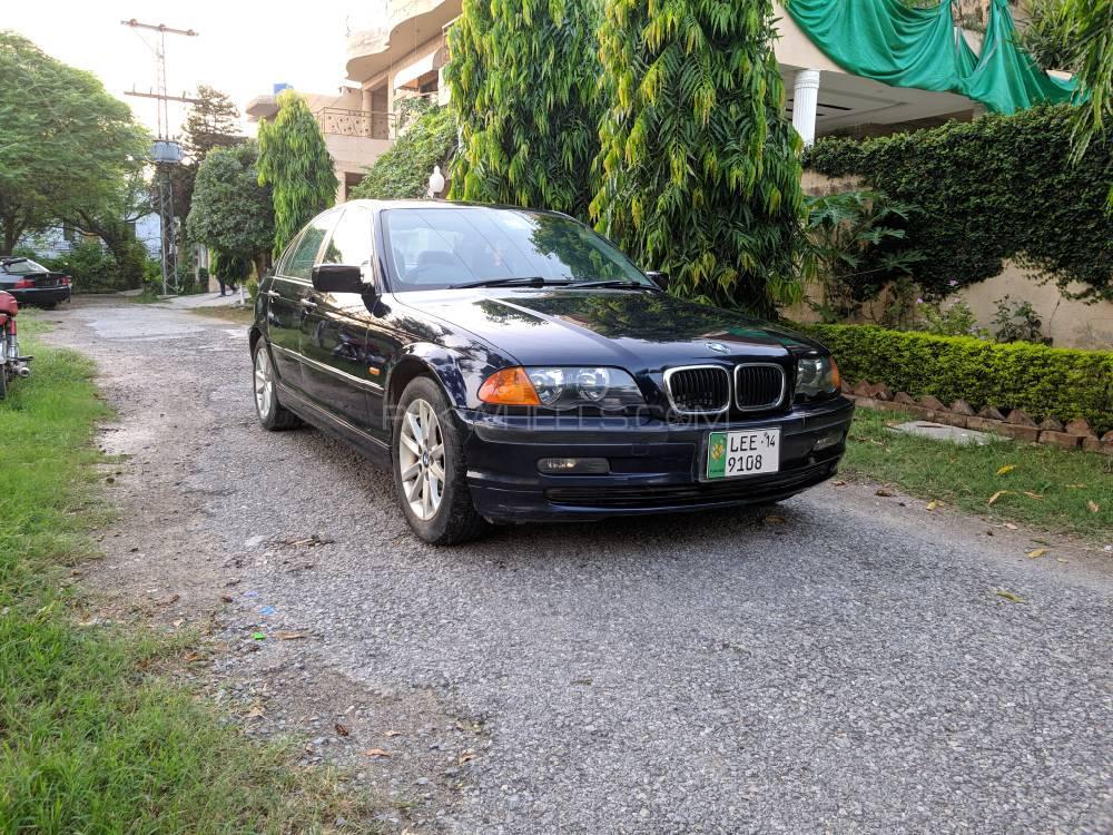 BMW 3 Series 318i 2000 Image-1