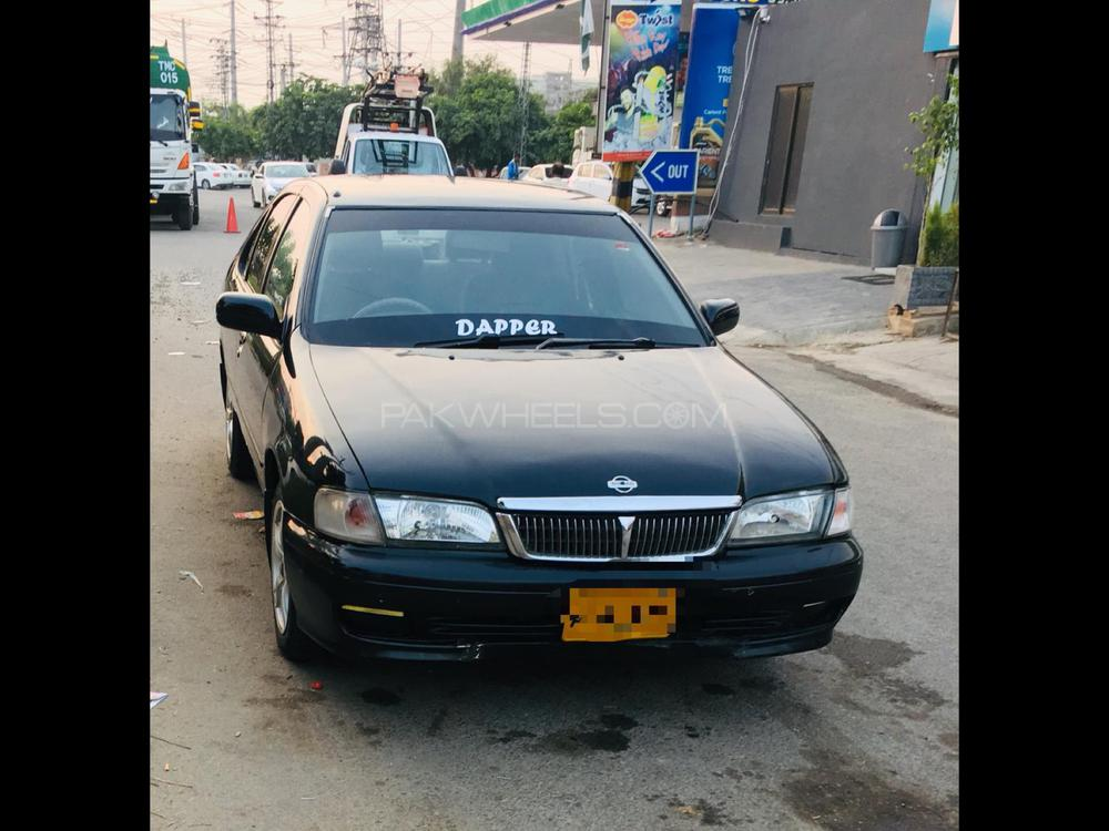 Nissan Sunny Super Saloon 1.6 2001 Image-1