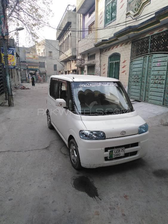 Daihatsu Tanto Custom X 2013 Image-1
