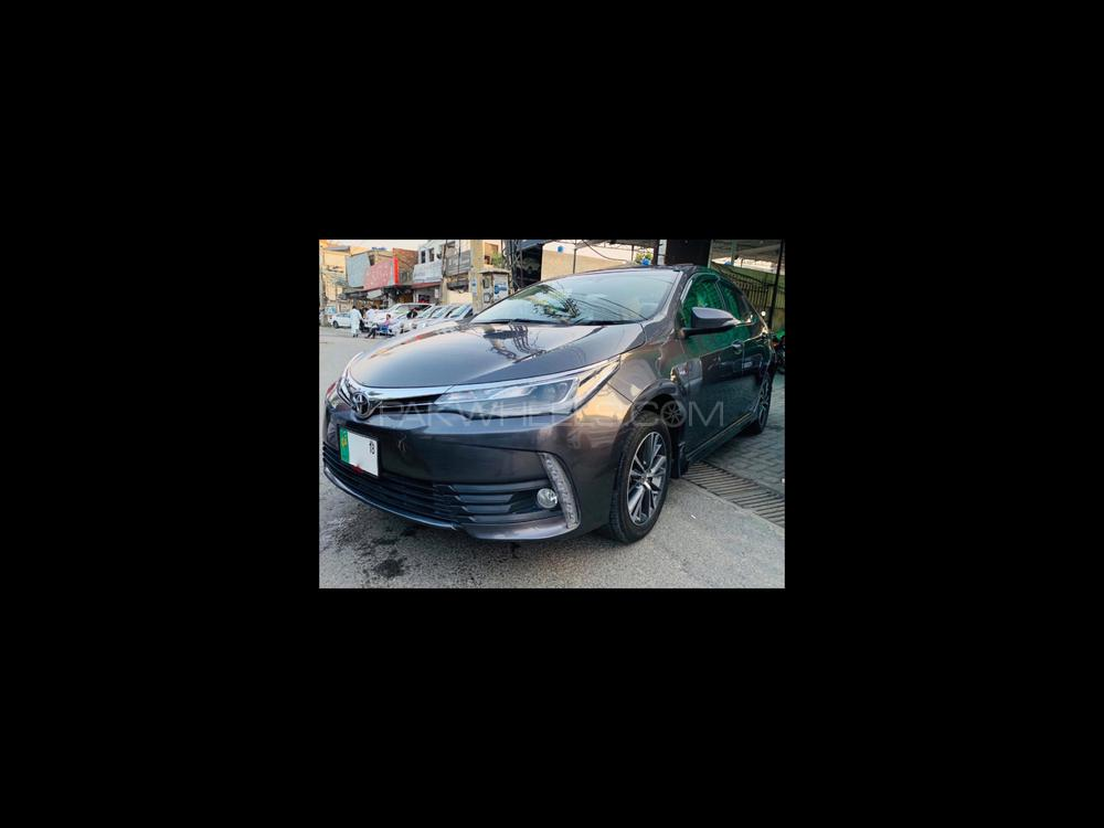 Toyota Corolla Altis CVT-i 1.8 2018 Image-1