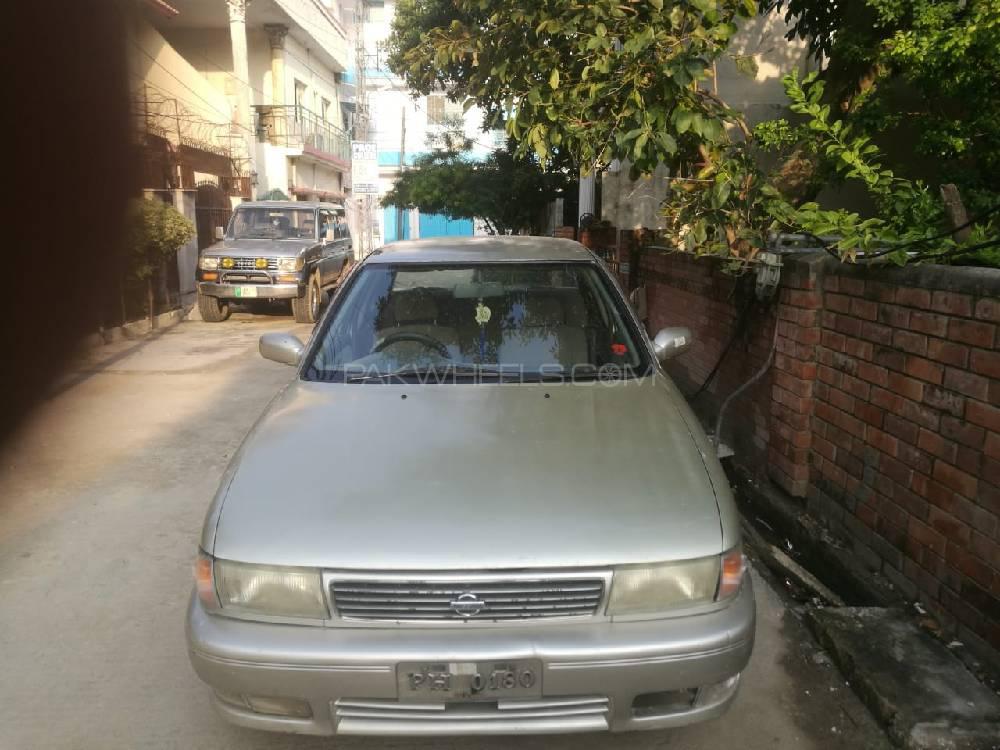 Nissan Sunny EX Saloon Automatic 1.6 1993 Image-1