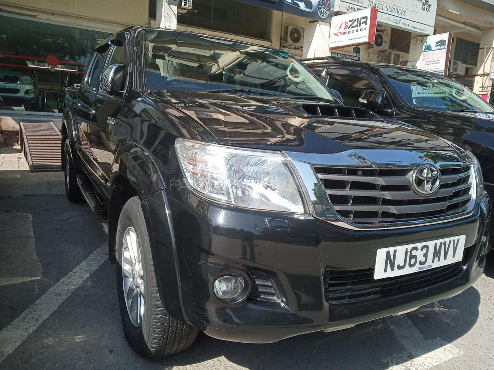 Toyota Hilux Invincible 2013 Image-1