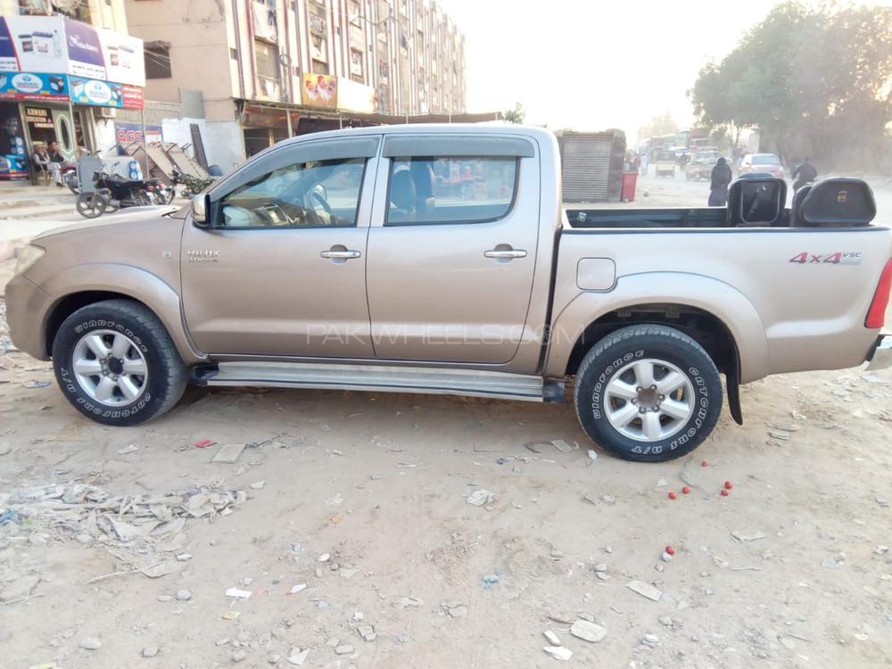 Toyota Hilux D-4D 2008 Image-1