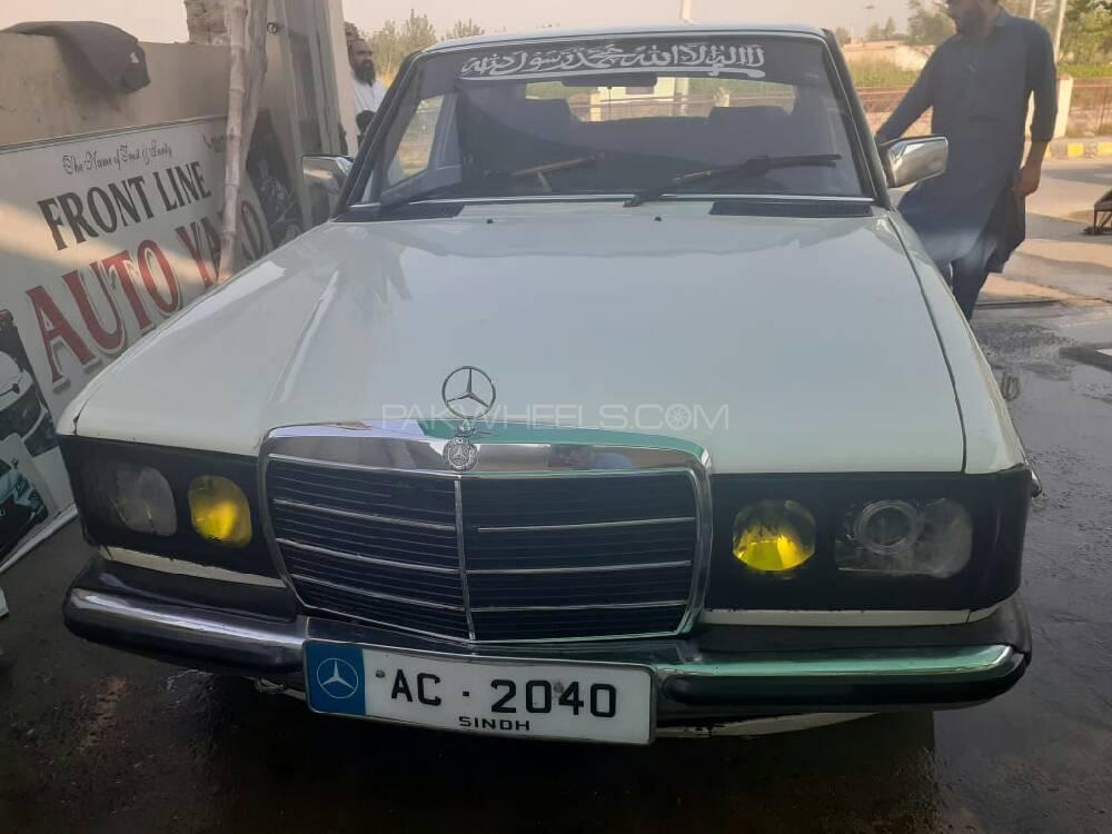 Mercedes Benz 250 D 1983 Image-1