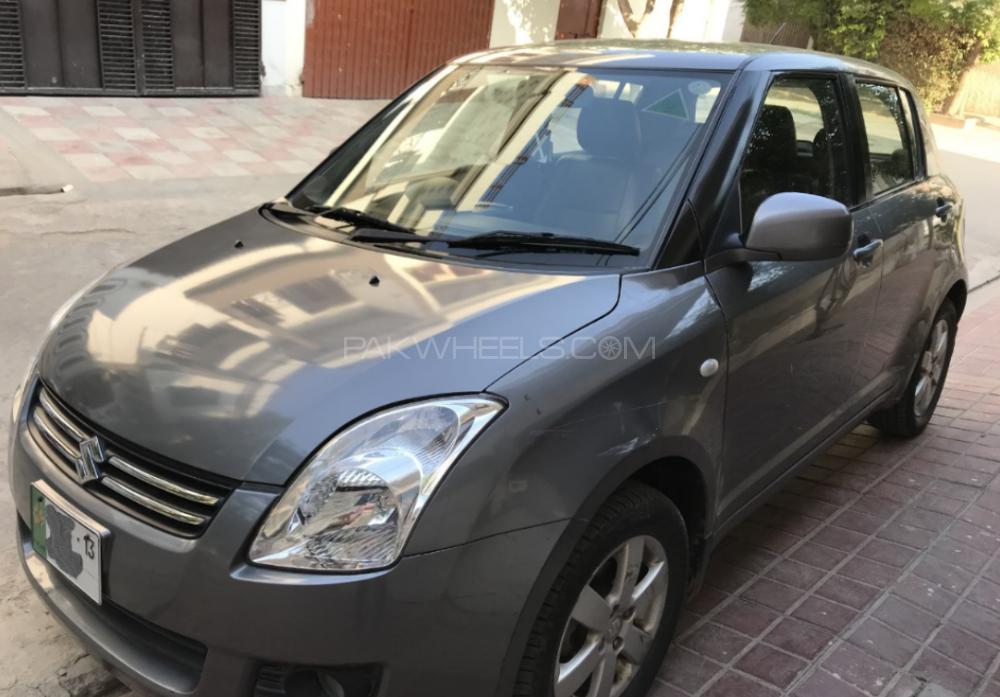 Suzuki Swift DLX Automatic 1.3 Navigation 2013 Image-1