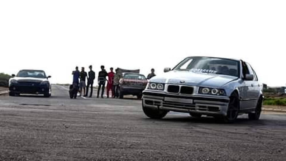BMW 3 Series 316i 1992 Image-1