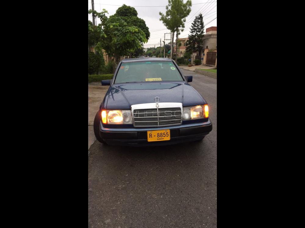 Mercedes Benz 200 D 1987 Image-1