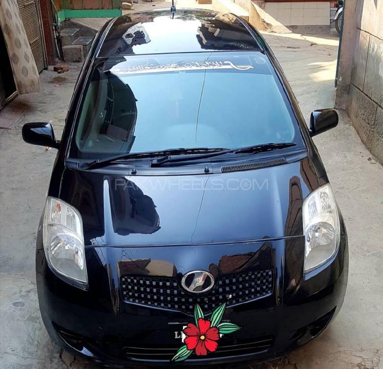 Toyota Vitz B Intelligent Package 1.0 2005 Image-1