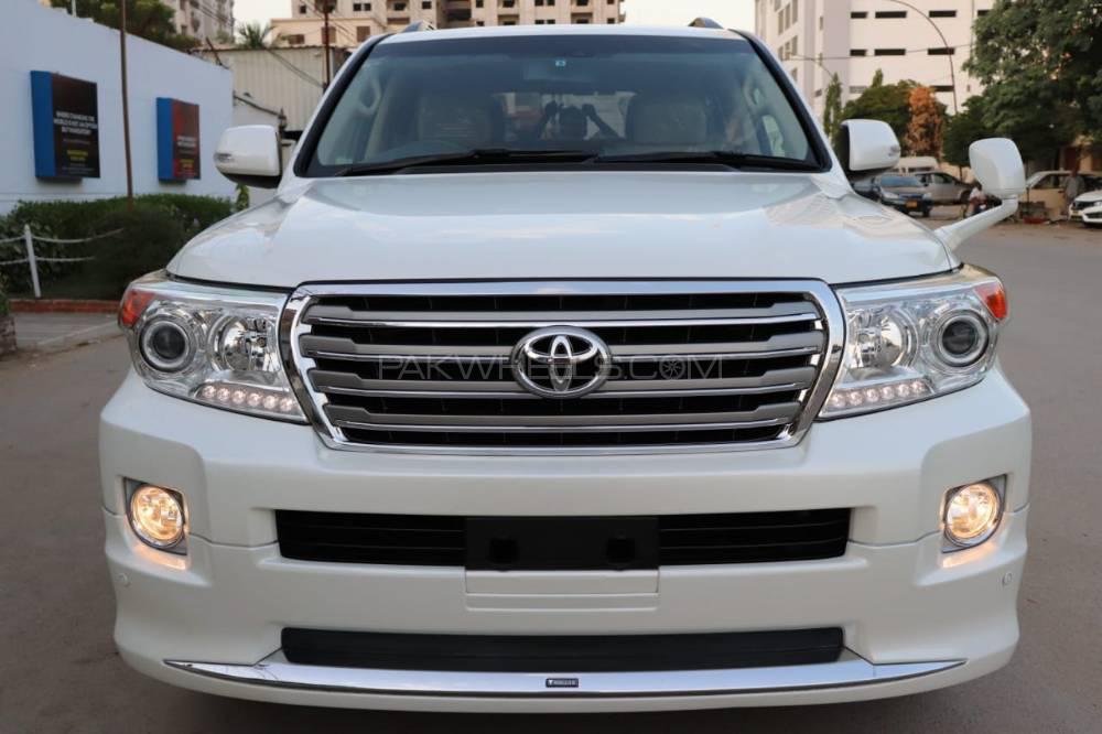 Toyota Land Cruiser AX 2013 Image-1