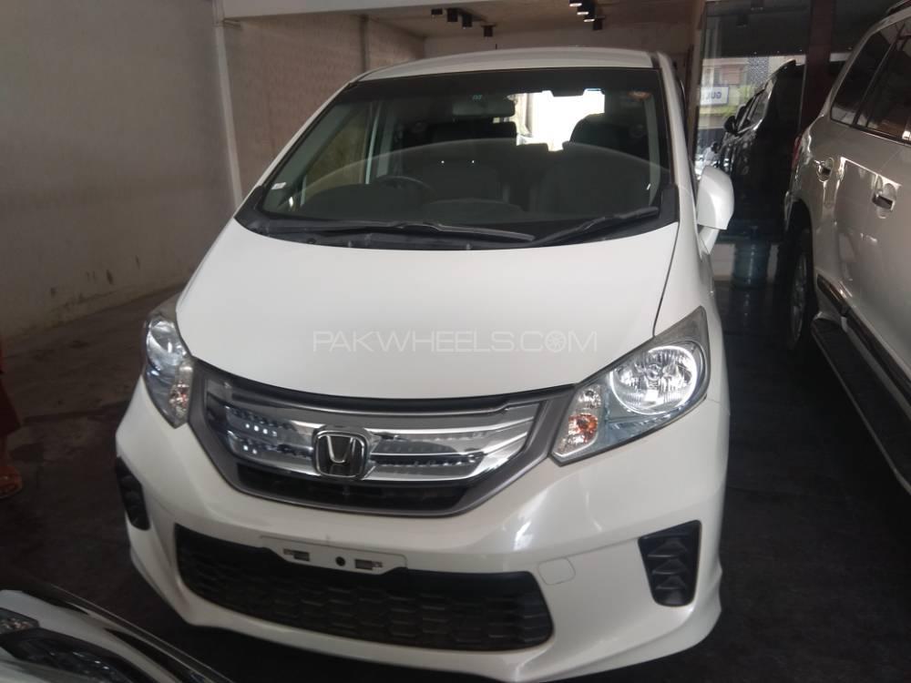 Honda Freed + Hybrid EX 2013 Image-1