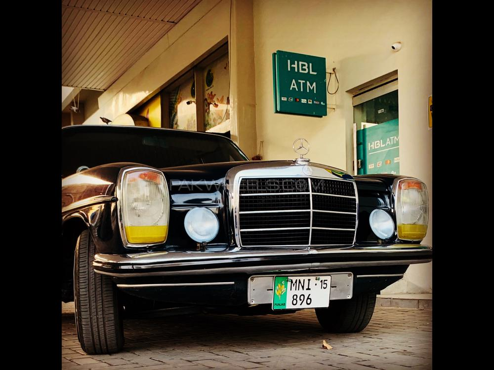 Mercedes Benz D Series 1970 Image-1