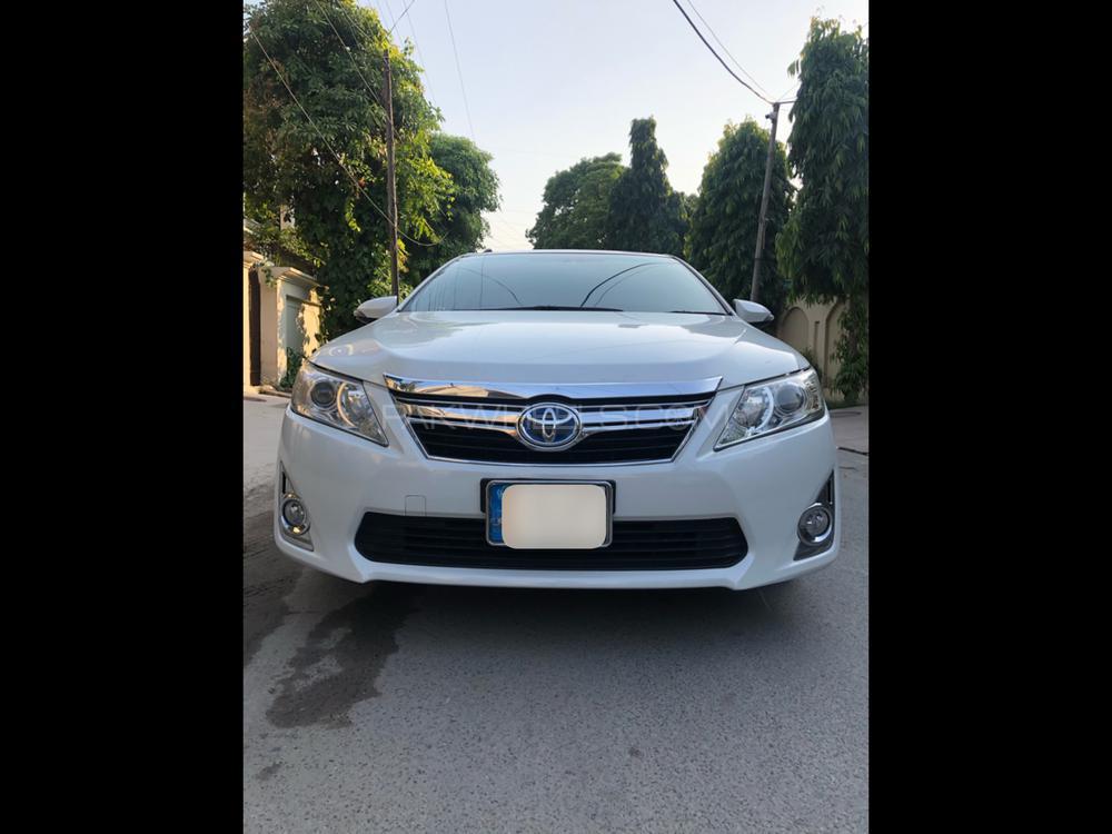 Toyota Camry Hybrid 2011 Image-1