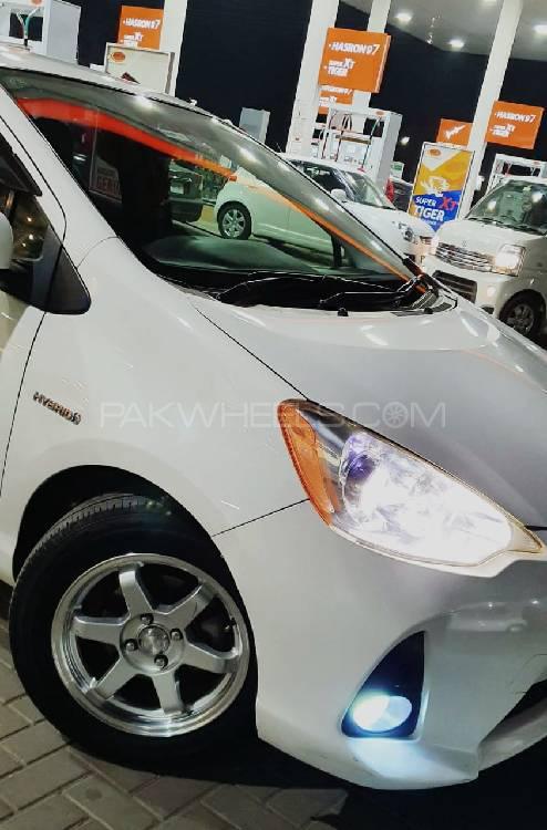 Toyota Aqua L 2012 Image-1