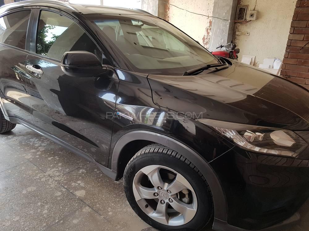 Honda Vezel Hybrid X L Package 2014 Image-1