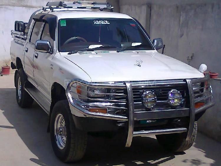 Toyota Hilux 1996 Image-1