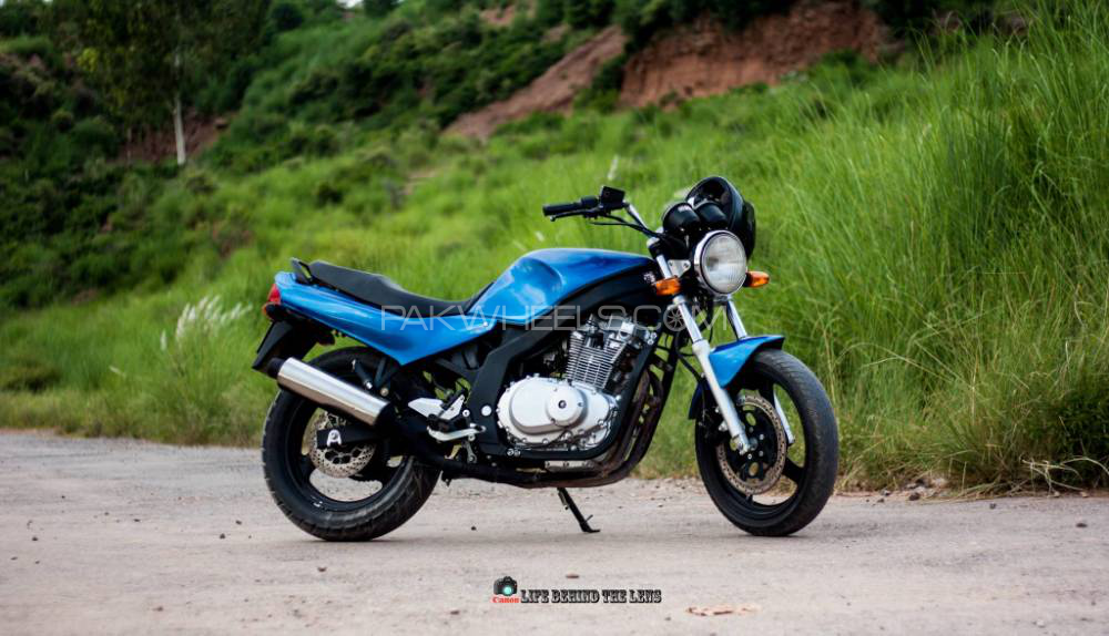 Suzuki GS500E - 1997  Image-1