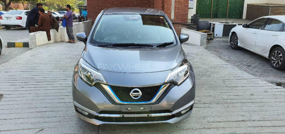 Nissan Note X 2016 Image-1