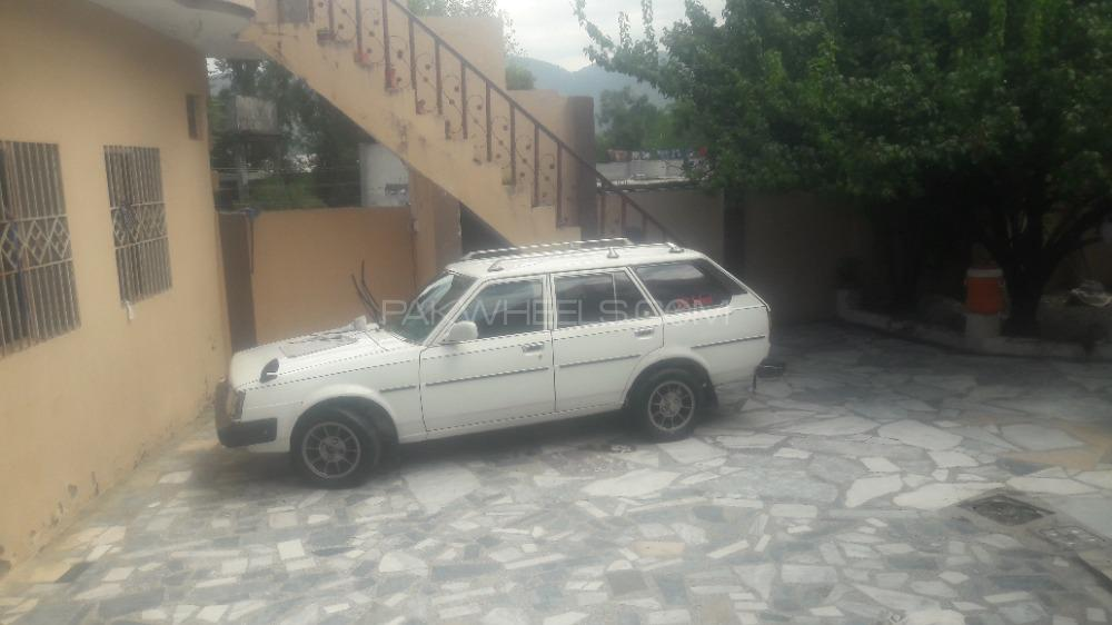 Toyota Corolla DX Saloon 1981 Image-1