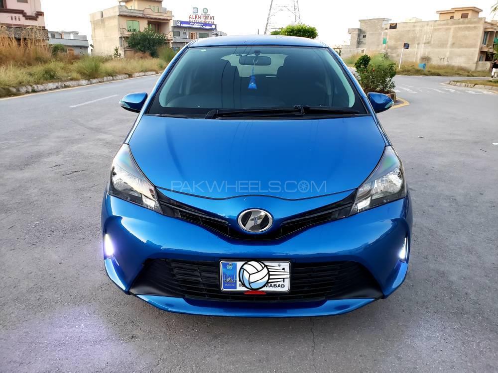 Toyota Vitz F Smile Edition 1.0 2015 Image-1
